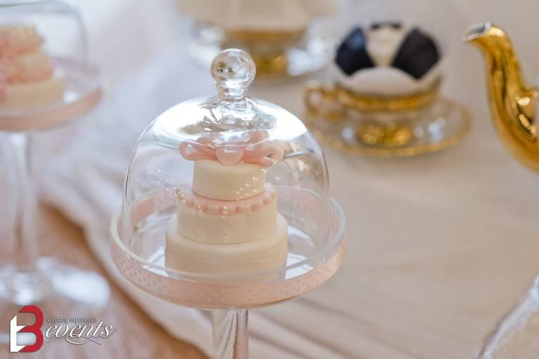 sweet table mini cake