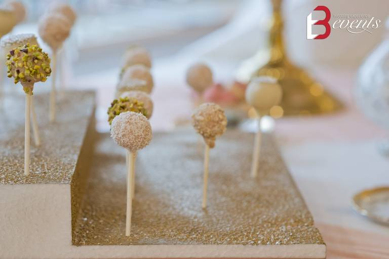 sweet table cake pops