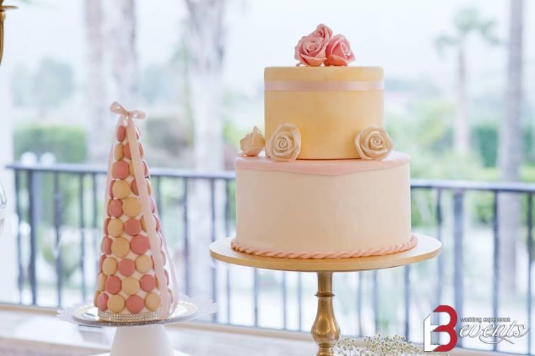 sweet table torta pink