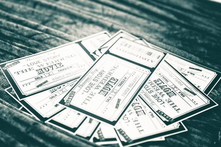 Matrimonio tema cinema tickets wedding