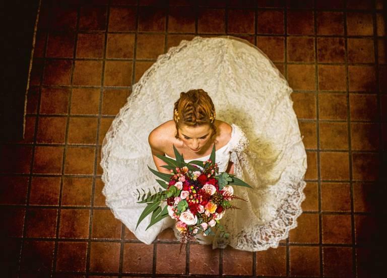 boquet sposa rosa borgogna