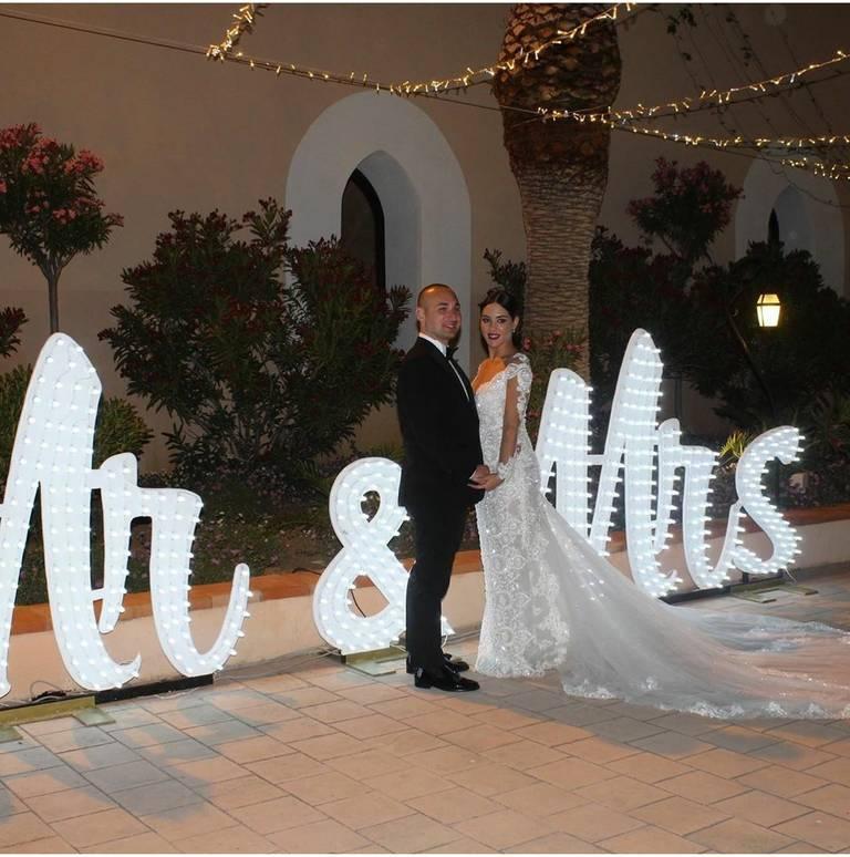 mr and mrs scritta luminosa
