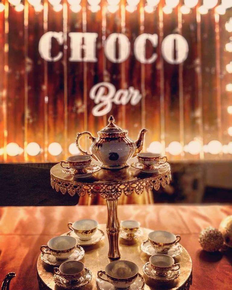 angolo cioccolato tazze oro zecchino