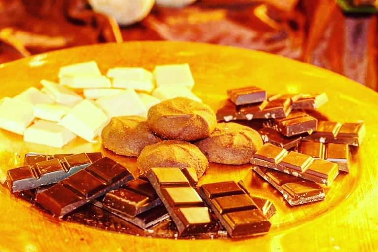 angolo cioccolato biscotti degustazione